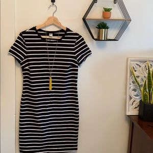 Old Navy Striped Knit T-shirt Dress🐼